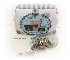 Sabela Patchwork: Esta va de neceseres Wish Box, Sabela, Snow Globes, Lunch Box, Scrappy Quilts, Needlepoint, Drip Tip, Entryway, Clutch Bag