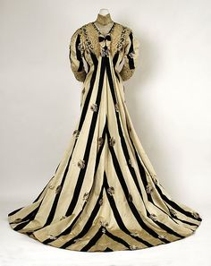 Tea gown (back view) Date: ca. 1900 Culture: American Medium: silk, cotton Accession Number: C.I.49.2.2