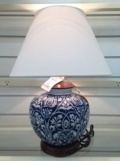 Chinoiserie Chic: Chinoiserie Lamps at HomeGoods Best Picture For Doll pretty . - Chinoiserie Chic: Chinoiserie Lamps at HomeGoods Best Picture For Doll pretty For Your Taste Yo - Decor Interior Design, Interior Styling, Porcelain Doll Makeup, Porcelain Lamps, Porcelain Sink, Painted Porcelain, China Porcelain, Asian Interior, Interior Office