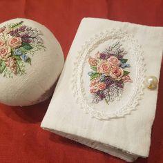 니들케이스 ^^#프랑스자수 #꽃자수 #핀쿠션 #자수핀쿠션 #니들케이스 #flower #handembroidery #stiching #needlework #frenchembroidery #embroidery #자수소품#needlework