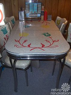 217 vintage dinette sets in reader kitchens - Retro Renovation  Love the bright cheerful colors on this one!