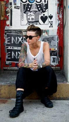 Ruby Rose. Ink. Amazing backdrop. Awesomeness. I want to be her when I grow up.