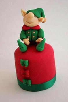 Elf mini cake