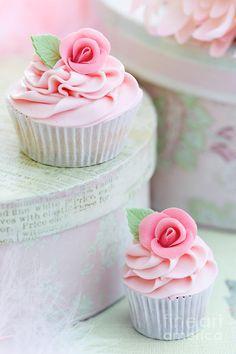 #Cupcake #pink #rose