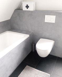 . Gewoon meer dan 1000 likes op m'n vorige foto's! Te gek!! Fijne zaterdagavond! #badkamer #bathroom #instahome #interieur #interior #inspiration #interior123 #interior4all #interior4you #interiordesign #interieurstyling #interieurinspiratie #inspiratie #wooninspiratie #showhometop5 #ilovemyinterior #mijnhuisjeonline #mijnhuisje #vtwonen #hema #karwei #badmat #betoncire #betonstuc #sanitair #toilet #homeinterior4you