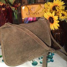 Suede Crossbody Vag Alternative Apparel Crossbody Bag- Sz 11x4xx12- Good condition- Olive green- Genuine suede- 24' adjustable strap- Very nice! Alternative Apparel Bags Crossbody Bags
