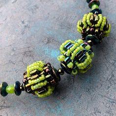 Tullahoma cored beaded bead,  very detailed photo tutorial but needs translating
