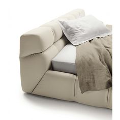 #Tufty is an awesome and soft #bed by Patricia #Urquiola for @bebitalia