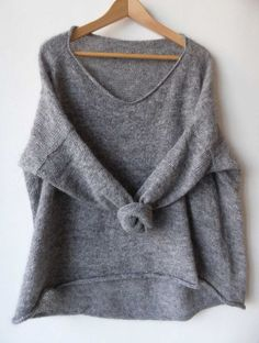 "Пуловер-оверсайз ""Igawa"" by Junko Okamoto. Shirt Bluse, Popular Outfits, Casual Sweaters, Boho Sweaters, Pulls, Types Of Sleeves, Lana, Knitwear, Knitting Patterns"