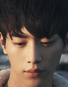 Seo Kang Joon| what the hell!? he's killing with that gaze....
