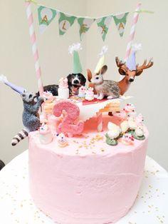 awesome Alexa's DIY animal parade birthday cake inspired by handmade Charlotte medianet_width = medianet_height = medianet_crid = medianet_versionId = (function() { var isSSL = 'https:' == document. Pretty Cakes, Cute Cakes, Cake Shots, Animal Party, Party Animals, Animal Fun, Love Cake, Themed Cakes, Let Them Eat Cake