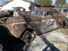 1941 Buick Special for Parts Only.  40 Series. 4 Door Sedan.  Straight 8-248 Engine.   Column Shift 3 Speed Transmission.  Mostly complete.