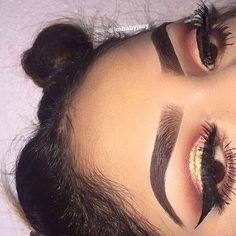 Her eyebrows and make up is in fleek Pretty Makeup Looks, Love Makeup, Makeup Inspo, Makeup Art, Makeup Inspiration, Beauty Makeup, Beauty Bar, Eyebrows On Fleek, Makeup On Fleek