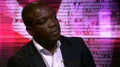 Image caption                                      Kweku Adoboli conversó con el programa Hardtalk de la BBC.                                Pasó de ser una de las jóvenes promesas del distrito financiero de Londres a ser el autor del mayor fraude de la historia en Reino Unido.  En 2011 Kweku Adoboli le hizo perder a su empleador, el banco USB, unos US$2.300 millones.  Fue juzgado por fraude y condenado a sie