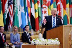 Pidato Trump: Mendesak Umat Islam untuk Mengusir Teroris : Presiden Donald Trump memperjelas bahwa Amerika Serikat tidak berperang dengan Islam. Hal tersebut disampaikan orang nomor satu di Amerika Serikat saat ini dalam pidato