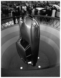 Citroen DS19 (1957) - That's one way for Flaminio Bertoni to present a design #auto #design #allestimenti