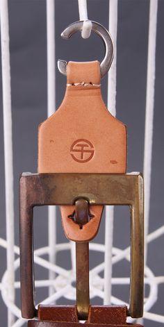 Sinicline new product: leather belt hanger. - Sinicline new product: leather belt hanger. Shoe Hanger, Belt Hanger, Leather Belts, Leather Bag, Diy Belts, Men's Belts, Belt Display, Sock Shop, Leather Projects