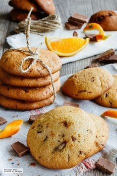 Galletas de chocolate y naranja. Receta de repostería fácil