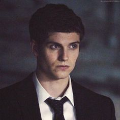 daniel sharman you beautiful man Teen Wolf Isaac, Teen Wolf Boys, Cute Teenage Boys, Celebrity Singers, Celebrity Crush, Daniel Sharman Teen Wolf, Dread Doctors, Good Looking Actors, Attractive Guys