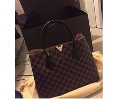 9d06c9de66a3 Lv bag Louis Vuitton Kensington
