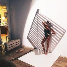 "Curated by Famous BTS Magazine. #famousbtsmag Школа Фотографии White on Instagram: ""#backstage с прошлого занятия курса fashion&beauty с @mikhailkabochkin ✨ Сегодня будем смотреть и обсуждать результаты и конечно новая…"" See this Instagram photo by @whitephotoschool • 337 likes"