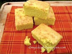Mantecada is a traditional Colombian butter corn cake that is very popular in the capital of the country, Bogotá. This cake tastes best when freshly prepared Colombian Desserts, Colombian Dishes, My Colombian Recipes, Colombian Food, Buttered Corn, Square Cake Pans, Corn Cakes, Cake Tasting, Kitchen Recipes