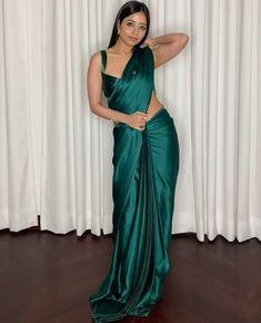 Indian Fashion Dresses, Indian Designer Outfits, Dress Fashion, Fashion Art, Latest Fashion, Satin Saree, Pink Saree, Saree Floral, Fancy Blouse Designs