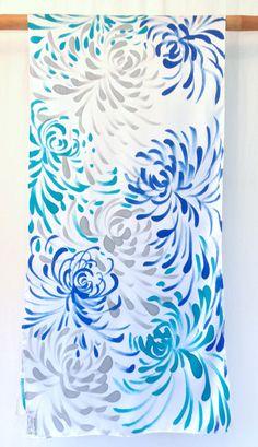 Hand Painted Blue Silk Shawl Silk Shawl Scarf por SilkScarvesTakuyo