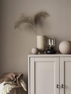 Tone-on-Tone Styling Inspiration from Linda Åhman - Nordic Design Interior Design Minimalist, Home Interior Design, Interior Decorating, Color Palette For Home, Objet Deco Design, Ideas Hogar, Cozy House, Interiores Design, Interior Inspiration