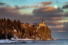 Minnesota Vacations in Minnesota State Parks - Iconic Split Rock Lighthouse State Park is one of the most popular