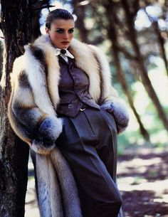 fur fashion directory is a online fur fashion magazine with links and resources related to furs and fashion. furfashionguide is the largest fur fashion directory online, with links to fur fashion shop stores, fur coat market and fur jacket sale. Fur Fashion, Fashion Photo, Street Fashion, Icon Fashion, Velvet Fashion, Fashion Guide, Fashion Studio, Fashion News, Fashion Trends