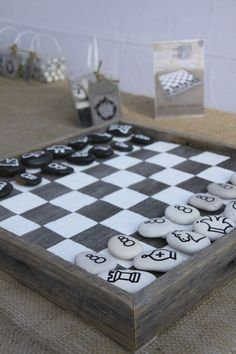 This chess board would be a fairly easy DIY project. Diy Chess Set, Chess Set Unique, Chess Sets, Fun Crafts, Diy And Crafts, Santa Crafts, Wood Crafts, Diy Recycling, Chess Pieces
