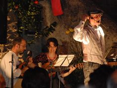 Il Duo Musicale Marrucci Caputo I musicisti Luca Caputo (chitarrista e mandolinista) ed Emanuela Marrucci (chitarrista), si sono trasferiti da Roma a Canale Monterano ed hanno qui trovato un luogo, una realtà umana e dei valori a cui si sentono vicini, in quella concezione e rapporto che c'è con la natura bellissima del posto e nelle tradizioni ancora vive e importanti della comunità canalese. http://www.canaleedintorni.com/wordpress/il-duo-musicale-marrucci-caputo/