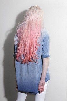 Pantone Color of the Year 2016 - Rose Quartz + Serenity New York Fashion, Fashion Fashion, Pink Ombre Hair, Lilac Hair, Green Hair, Blue Hair, Pink Dip Dye, Hair Affair, Dye My Hair