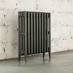 The Arroll Neo Classic is a simple and stylish cast iron column radiator, highly efficient in terms of heat output and convection. The Arroll Neo Classic is sure to work perfectly in both period and modern interior schemes. Column Radiators, Victorian Living Room, Victorian Interiors, Classic Interior, Modern Interior, Loft Style Homes, Cast Iron, It Cast, Blue Lounge