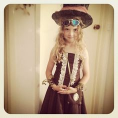 Ms S all steampunked up! Massive thanks to the amazing for the fabulous outfit xox - Kids Steampunk Costume, Steampunk Kids, Steampunk Jacket, Steampunk Clothing, Steampunk Fashion, Fantasy Costumes, Dieselpunk, Fancy Dress