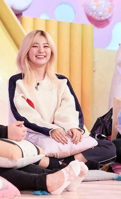 """thread of seulgi making this face"" Good Girl, My Girl, Red Velvet Seulgi, Red Velvet Irene, Red Velvet Joy, South Korean Girls, Korean Girl Groups, Snsd, Poses"