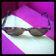 Paul Smith Vintage wayfarer sunglasses Classic Paul Smith tortoise wayfarer sunglasses. Never worn & in pristine condition. No scratches. Paul Smith Accessories Sunglasses