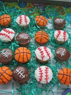 Mini sport cupcakes