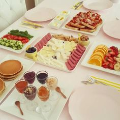Cake In Life: Aperitif - Breakfast Recipes Breakfast Presentation, Food Presentation, Brunch, Food Design, Cooking Time, Cooking Recipes, Breakfast Platter, Turkish Breakfast, Breakfast Bread Recipes