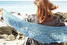 a knitting bear...: Il ritorno di Diamante - knit shawl