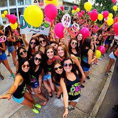 Delta Phi Epsilon at University of Florida #DeltaPhiEpsilon #DPhiE #BidDay #balloons #sorority #UF