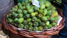 Traditional Fruits of Madeira - Traditional Fruits of Madeira - Find cheap hotels and holiday cottages, nature and rural houses, discounts and the right opportunities to visit the Madeira archipelago.