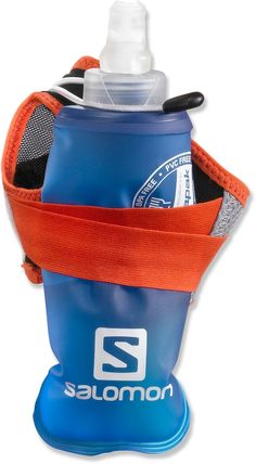 Collapsible hand-held water bottle for trail running hydration.