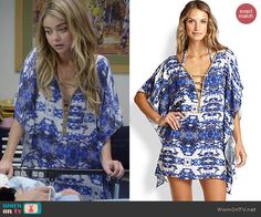 Haley's blue printed swim cover-up on Modern Family.  Outfit Details: http://wornontv.net/46402/ #ModernFamily