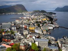 Alesund is not a town that everyone visiting Norway will have on their travel itinerary. But Norway's Art Nouveau town is definitely worth a visit!