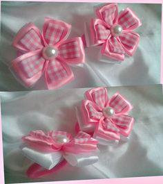 Фотография Ribbon Art, Diy Ribbon, Ribbon Crafts, Flower Crafts, Ribbon Embroidery Tutorial, Fabric Flower Tutorial, Pink Hair Bows, Ribbon Hair Bows, Felt Flowers