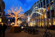 MK Illumination UK is the world market leader for extraordinary, top-quality festive lighting and decorative concepts for every occasion. Innsbruck, Lighting Concepts, Christmas Pictures, Design Crafts, Spain, Street View, In This Moment, City, World