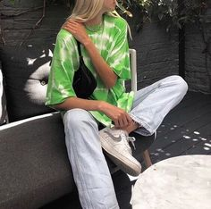 Jeans and green t-shirt - Kinder Mode - Jeans and green t-shirt Source by aliahchungong - Vintage Outfits, Retro Outfits, Trendy Outfits, Cool Outfits, Summer Outfits, Fashion Outfits, Fashion Shoes, Party Fashion, Fashion Clothes