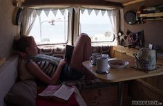 Rolling home - VW T4 Forum - VW T5 Forum Like the cupboards and table: